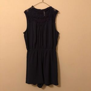 Navy blue romper with pockets! Lace neckline